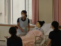 模擬患者用の人形を使って